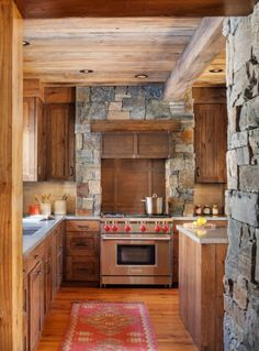 A family that loves to ski nestles into a trailside abode How better to think about acquiring a ski house than to go skiing? That's what the husband of a Massachusetts couple did when he was looking to build … Continue reading →