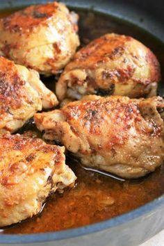 Pięknie pachnie, dobrze wygląda i pysznie smakuje - łatwy w przygotowaniu kurczak z patelni! Składniki : dowolne kawałki kurczaka -...