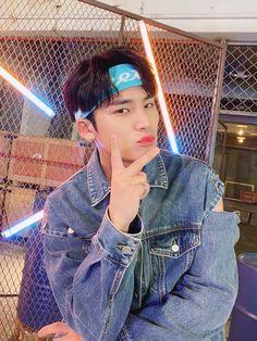 Mingyu Left&Right Part Switch Woozi, Wonwoo, Jeonghan, Seungkwan, Mingyu Seventeen, Seventeen Debut, Korean Boy Bands, South Korean Boy Band, Hip Hop