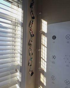 Best Indoor Garden Ideas for 2020 - Modern Room Decor Bedroom, Diy Room Decor, Army Decor, Kpop Diy, Army Room, College Room, Homemade Modern, Aesthetic Bedroom, Room Tour