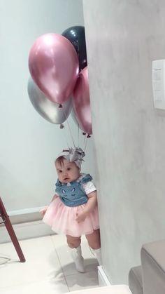 Cute Funny Baby Videos, Cute Funny Babies, Cute Couple Videos, Funny Kids, Cute Kids Pics, Cute Baby Pictures, Baby Photos, Cute Little Baby, Cute Baby Girl