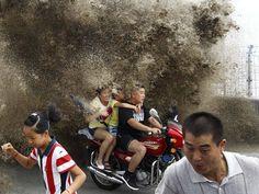 Tidal Bore, Qiantang River, Hangzhou, Zhejiang province