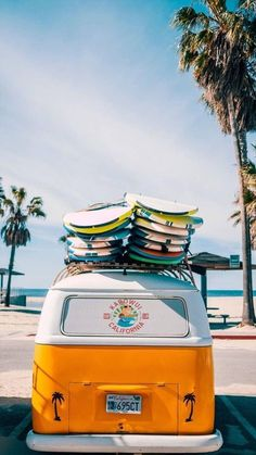 'Combi van surf' by jsebouvi Surfing Wallpaper, Beach Wallpaper, Iphone Wallpaper, Surf Girls, Photo Wall Collage, Picture Wall, Surf Table, Surf Mar, Summer Vibes