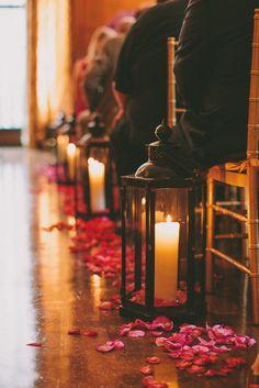 candles and lanterns aisle decor #wedding #ceremony