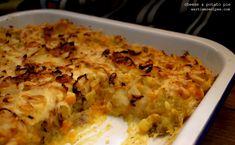 Cheese, Potato & Onion Pie – Recipe No. 169 – The Experiment Onion Pie, Potato Onion, Potato Pie, Veg Recipes, Potato Recipes, Pasta Recipes, War Recipe, Das Experiment, Onions