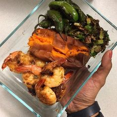 Check out one of the meals on @gaugegirltraining client @jenny__castaneda custom meal plan. Jenny follows a paleo diet where she can't have gluten dairy legumes or artificial sweeteners in her meal plan and we accommodated all those dietary restrictions. Whether you have an allergy condition or simple dislike of a certain food as long as you note it on our questionnaire we will accommodate your needs in your custom meal plan. For more info go to GAUGEGIRLTRAINING.com or email…