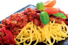 SPAGETI DENGAN DAGING BURGER /  SPAGHETTI WITH BEEF