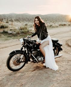 Rugged Romance: Edgy Meets Bohemian Desert Elopement Inspiration with Pops of Peach + Lavender - Green Wedding Shoes