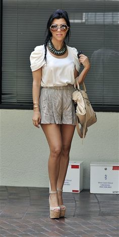 Koutney Kardashian- Great outfit