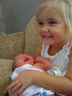 ideas for helping the transition when adding a new sibling to the familly