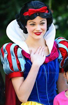 Disneyland Snow White // Disney Princess