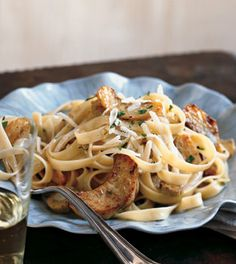 Fettuccine con Carciofi, via Epicurious. Pasta with artichokes, easy dinner. Gourmet Cooking, Cooking Recipes, Healthy Recipes, Free Recipes, Lemon Pasta, How To Cook Pasta, Pasta Dishes, Bon Appetit, Pasta Recipes