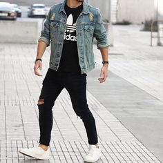 Yes or No? Follow @mensfashion_guide for more! By @alvarovillardon #mensfashion_guide #mensguides