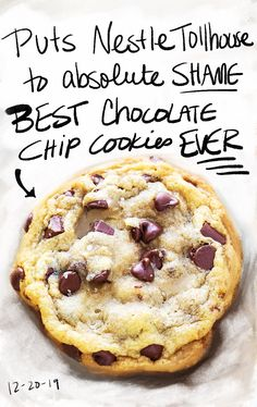 Looking for the best chocolate chip cookies EVER? you're in the right place. These cookies are BIG, soft, chewy, and totally divine. Chocolate chip cookies are Cookie Desserts, Just Desserts, Delicious Desserts, Dessert Recipes, Yummy Food, Snack Recipes, Best Chocolate Chip Cookie Recipe Ever, Chocolate Cookies, Easy Chocolate Chip Cookies