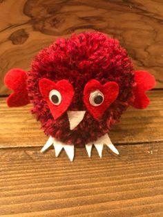 Valentines Love Bird Pom Pom Gift #PomPomPalace #ValentinesDay