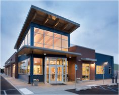 OK, so they didn't set out to make the Taj Mahal, but at Pet Emergency Clinic & Referral Center clients, pets and specialist groups all benefit from a bigger hospital in Spokane, Washington. Daycare Design, Metal Siding, Hospital Design, Clinic Design, Article Design, Design Competitions, Award Winner, Building Design, Design Process