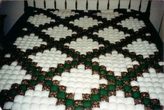 Queenl size Puff Quilt by Beltongirl on Etsy