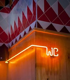 design - Settle in for some food truck fare in the comfort of a proper restaurant at Tel Aviv's Truck Deluxe Design Wc, Cafe Design, Store Design, Environmental Graphic Design, Environmental Graphics, Deco Restaurant, Restaurant Design, Restaurant Signage, Wayfinding Signage