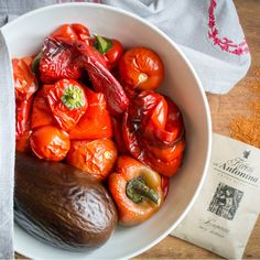 Ajvar – recept krok 3 Dip, Stuffed Peppers, Vegetables, Food, Gravy, Stuffed Pepper, Veggies, Essen, Vegetable Recipes