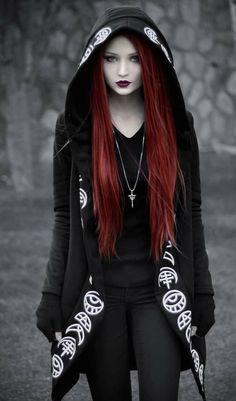 Gothic Girls, Hot Goth Girls, Diva Fashion, Gothic Fashion, Fashion Models, Punk Outfits, Fashion Outfits, Estilo Dark, Black Hair Dye