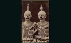 18 preuves que les vieux costumes de l'époque sont les plus effrayants ! Préparez-vous à ne pas dormir ce soir…