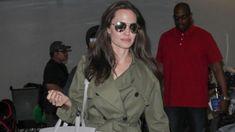 O Por Aí de hoje é com uma das mulheres mais famosas do mundo, Angelina Jolie! Sua vida chama a atenção de maneira contundente em 3 aspectos: é uma atriz muito famosa, premiada e com filmes importantes; tem um lado humanitário e ativista muito forte; sua vida pessoal está sempre em destaque, seja por sua …