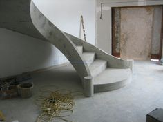 A perfectly faded French manicure. Patio Stairs, Concrete Staircase, Outdoor Stairs, Concrete Steps, Precast Concrete, Concrete Design, Spiral Staircase, Faded French Manicure, Stair Treads