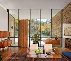 L'entrée principale de magnifique maison moderne aux influences rétro