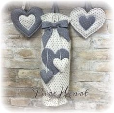 Blog di Cucito Creativo Fabric Crafts, Sewing Crafts, Sewing Projects, Cotton Candy Favors, Grocery Bag Holder, Plastic Bag Holders, Fabric Houses, Love Sewing, Brick Stitch