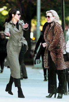 Cate Blanchett and Sandra Bullock ❤ Sandro, Ocean's 8 Cast, Ocean's Eight, Oceans 8, Rocker Girl, Middle Aged Women, Black And White Tops, Cate Blanchett, Girls Life