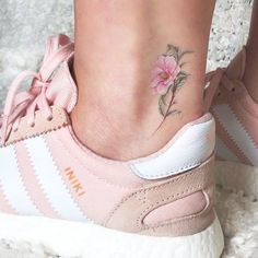 Floral Temporary Tattoo Set by Mini Lau (Set of – Small Tattoos Mini Tattoos, Rosa Tattoos, Little Tattoos, Small Tattoos, Flower Tattoos, Little Tattoo For Girls, Butterfly Tattoos, Feather Tattoos, Tattoo Pink