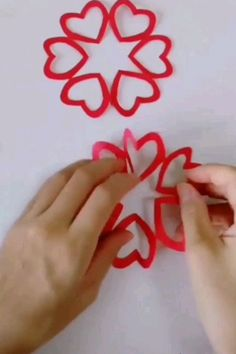Origami flower video tutorial - Her Crochet Diy Home Crafts, Diy Arts And Crafts, Creative Crafts, Easy Crafts, Crafts For Kids, Paper Crafts Origami, Diy Paper, Paper Flowers Diy, Flower Crafts