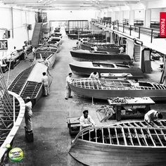 The Riva factory! The Riva factory! Riva Boot, Wooden Speed Boats, Chris Craft Boats, Classic Wooden Boats, Wooden Boat Building, Cabana, Vintage Boats, Naval, Cool Boats