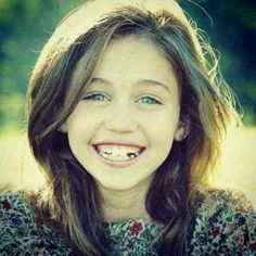 Young Miley Cyrus She was so adorable !!!