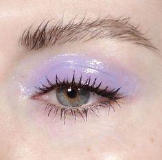 purple glossy eyeshadow
