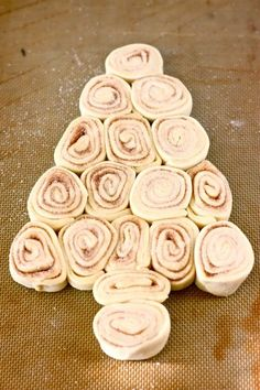 Christmas Tree Cinnamon Rolls 25+ Fun Christmas Breakfast Ideas for Kids | NoBiggie.net