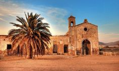 Cortijo del Fraile - the historically most important building in the nature park of Cabo de Gata Beautiful Villas, Beautiful Beaches, Cool Places To Visit, Great Places, Islamic City, Time In Spain, Regions Of Europe, Filming Locations, Barcelona Cathedral