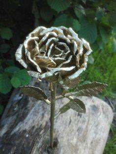 Piękna róża z metalu 😍😍