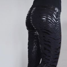 TEO sticky leggings for pole dance, acro yoga & aerial in the iconic black