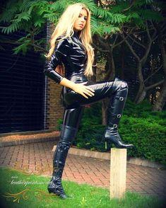 www.leatherpantsmodels.com #leatherpants #leather #leatherpantsmodels #latex