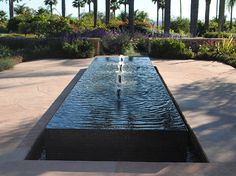 Modern square water fountain