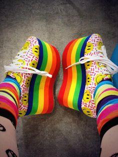 . Rainbow Shoes, Rainbow Colors, Rainbow Palette, Rainbow Fashion, Tokyo Fashion, Young Fashion, Over The Rainbow, Color Of Life, Minimal Fashion