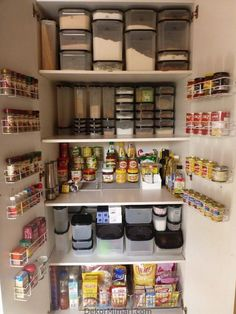 Genius Pantry Organisation Ideas We have found some of the best kitchen pantry organization ideas from around the web to inspire and assist.We have found some of the best kitchen pantry organization ideas from around the web to inspire and assist. Kitchen Cupboard Organization, Kitchen Pantry Design, Kitchen Organization Pantry, Small Kitchen Storage, Home Organisation, Pantry Storage, Kitchen Cupboards, New Kitchen, Organization Ideas
