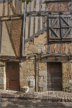 Image of Medieval century house facade in Bergerac, France – architecture Vernacular Architecture, French Architecture, Historical Architecture, Architecture Details, Medieval Houses, Medieval Town, Medieval Castle, Timber Buildings, Old Buildings