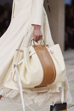 Alexander McQueen Spring / Summer 2020 Ready-To-Wear Mcqueen. - Alexander McQueen Spring / Summer 2020 Ready-To-Wear Mcqueen. Looks like the Loewe hammock This ima - Popular Handbags, Cute Handbags, Cheap Handbags, Purses And Handbags, Luxury Handbags, Luxury Purses, Handbags Online, Prada Purses, Leather Handbags