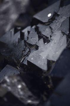 Black Mineral by Terence Wennink | enzeldvst