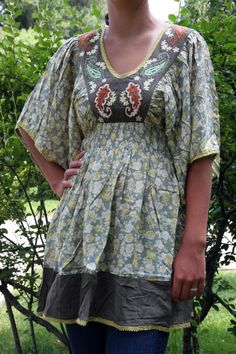 Another awesome find from @Allatia Jane. Love this tunic.
