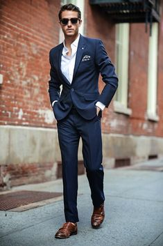 Dark navy with brown/caramel shoes always...& a pocket square. #mens #streetstyle