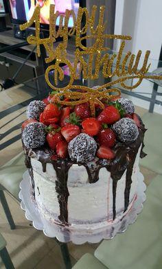 10 Birthday Quotes For Boyfriend Creative Ideas Birthday Cake Gift, Bithday Cake, Happy Birthday Gifts, Gift Cake, Birthday Candles, Birthday Celebration, Boyfriend Birthday Quotes, Birthday Goals, Beautiful Birthday Cakes