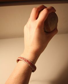 """DIY """"Play Ball!"""" Baseball Bracelet 